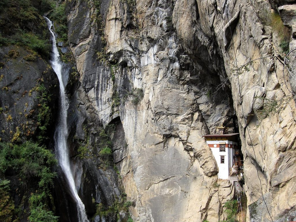 beautiful waterfall below tiger's nest monastery
