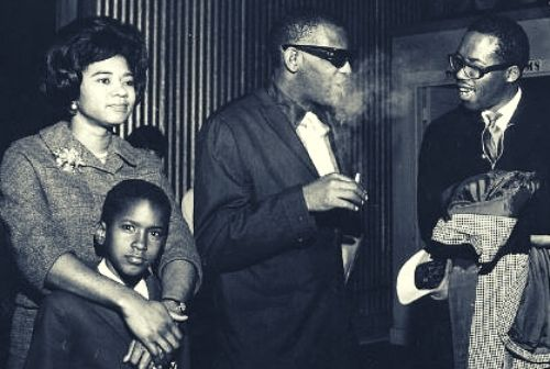 Rare Image of Della Beatrice with her former husband Ray Charles and eldest son Robinson